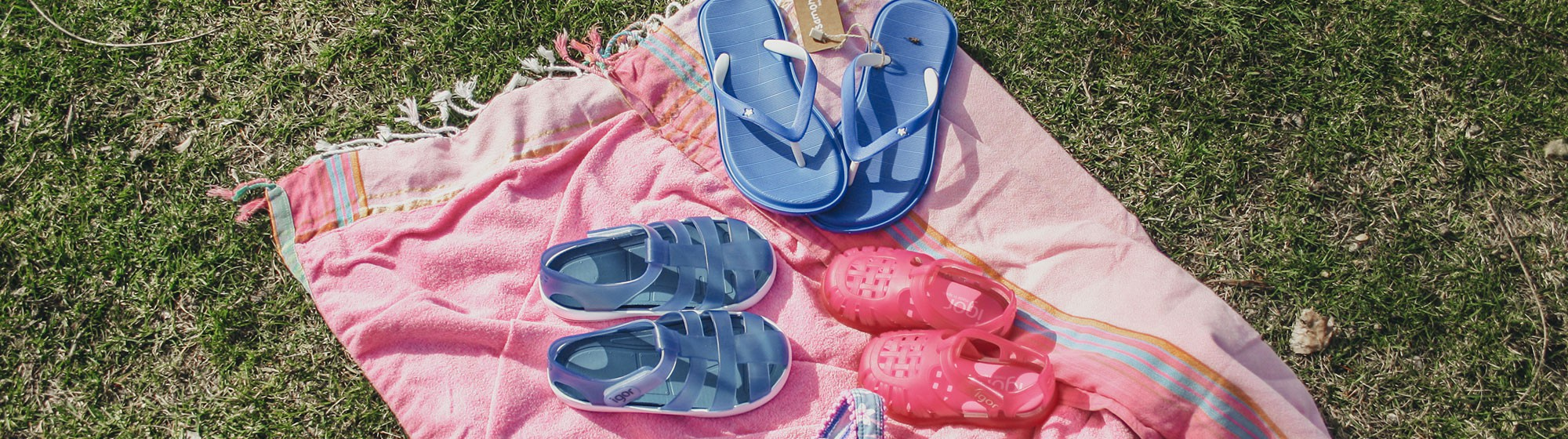 Sandálias e Chinelos de Praia