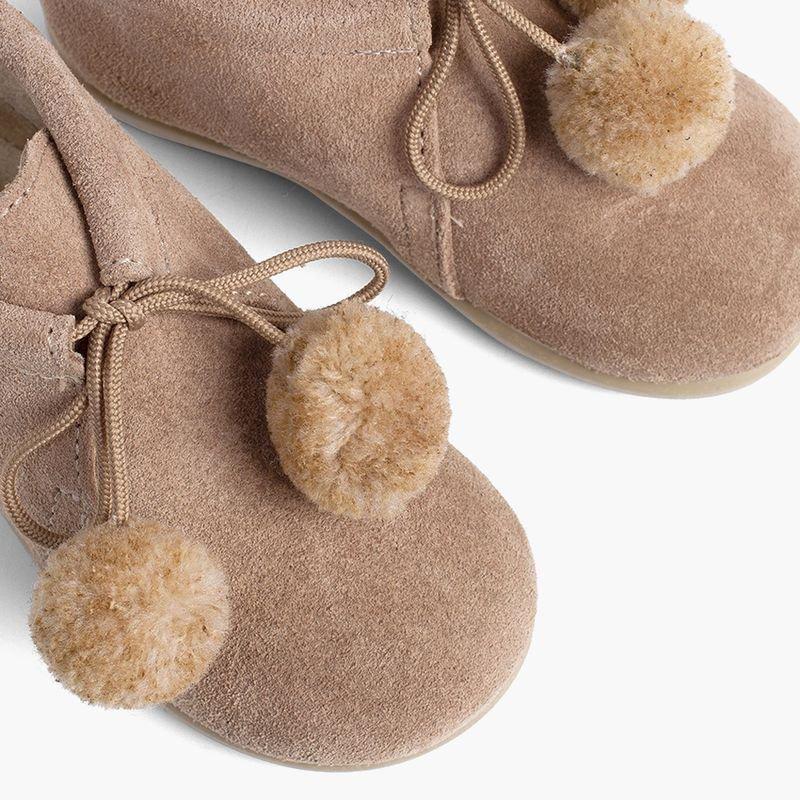 Botas Infantis com Pompons