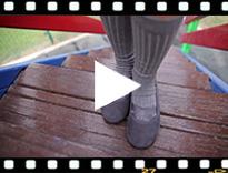 Video from Sabrinas Menina camurça com elástico cruzado tipo ballet