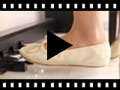 Video from Sabrinas menina e mulher em pele metalizada