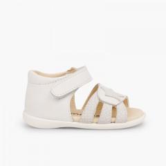 4418f43f090 Sandálias Napa Estrela Primeiros Passos Velcro Branco