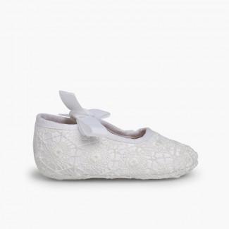 Sapatos Croché Fecho Laço Branco