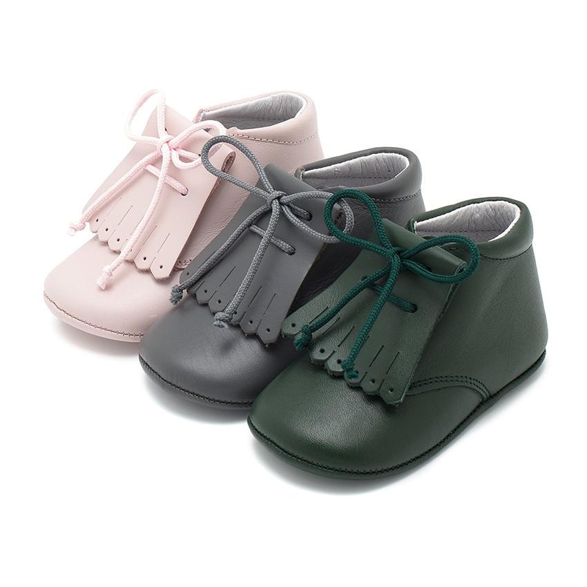 Sapatos Bebé Pele Tipo Botinha com Franjas