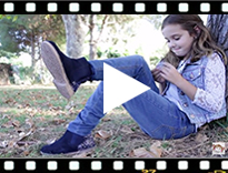 Video from Botins Menina Camurça com traseira glitter