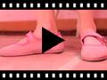 Video from Sapatos Merceditas Camurça Velcro para Meninas