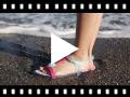 Video from Sandálias de borracha Tricia Love